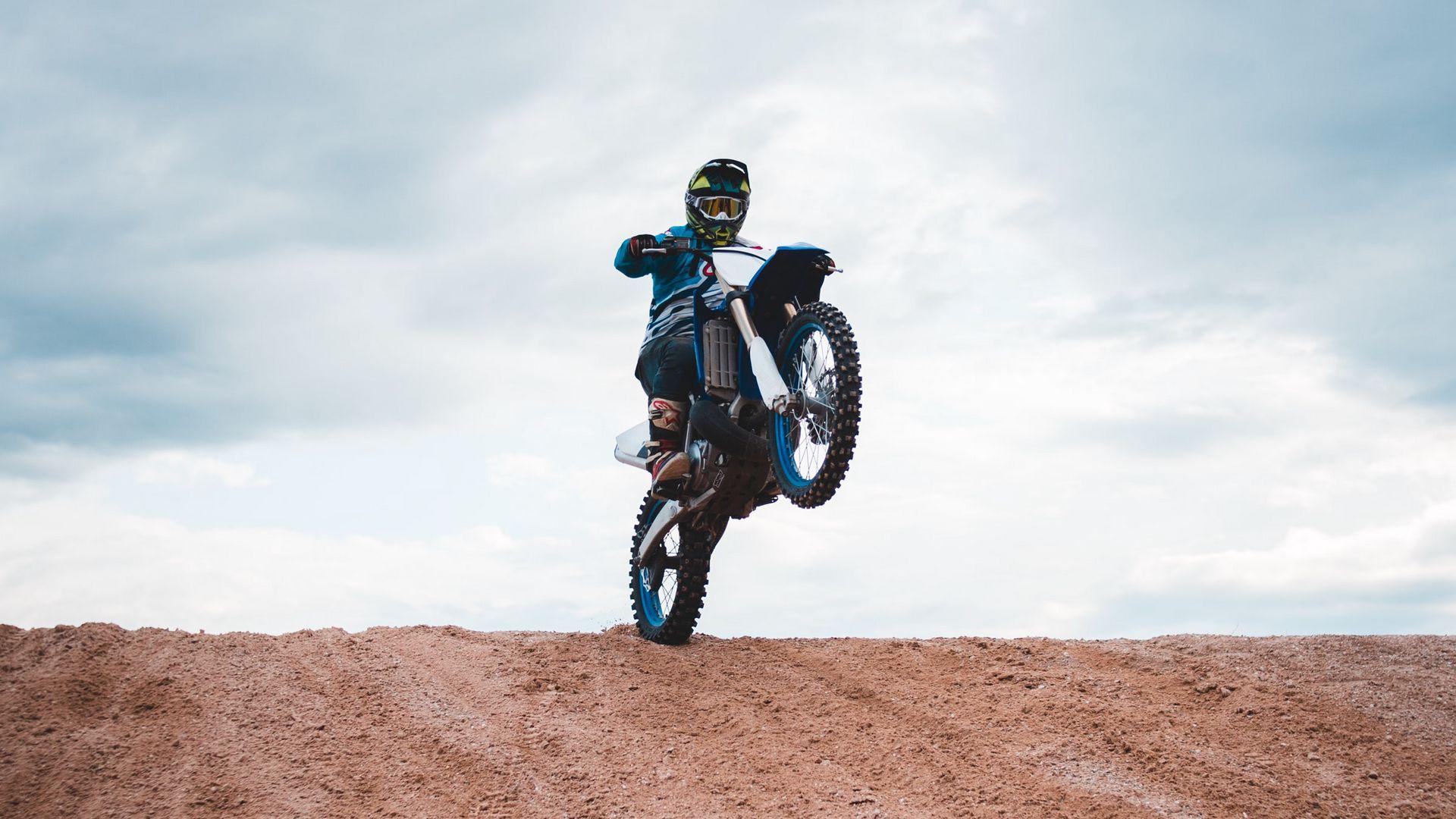 Motorcyclist, Motorcycle, Helmet Download Free HD Wallpapers (7)