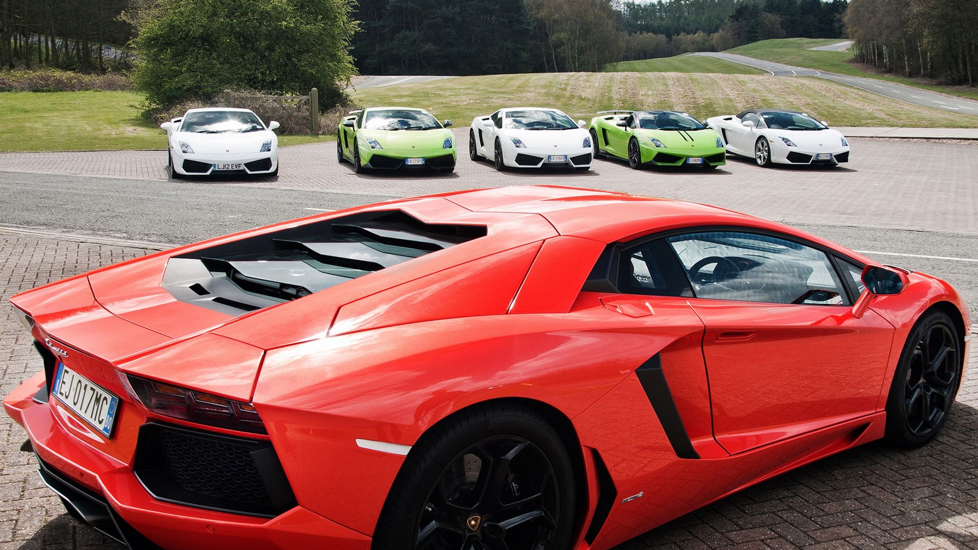 The Wallpapers Related to Lamborghini Aventador, Supercar