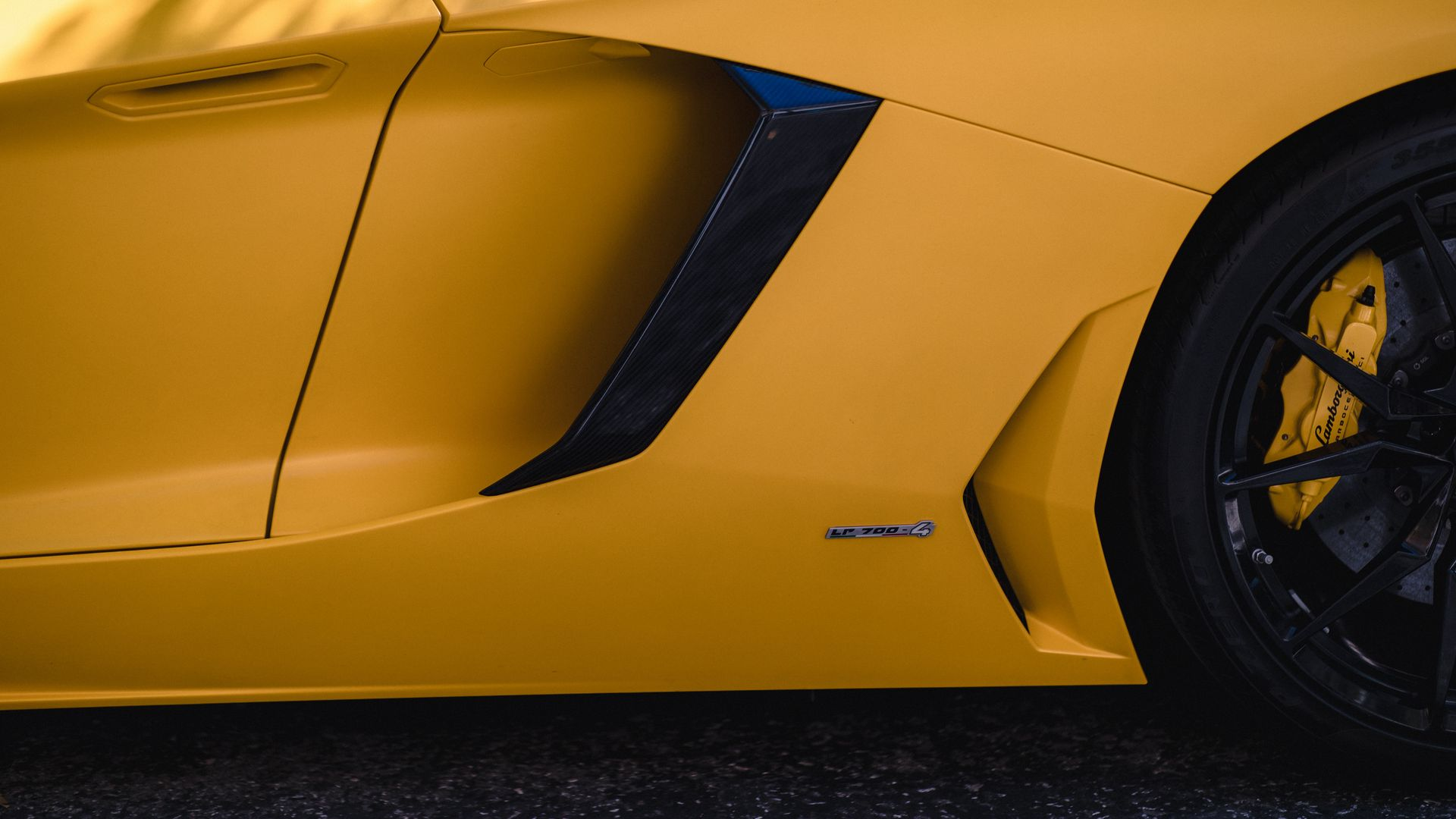 The Wallpapers Related to Lamborghini, Car, Wheel