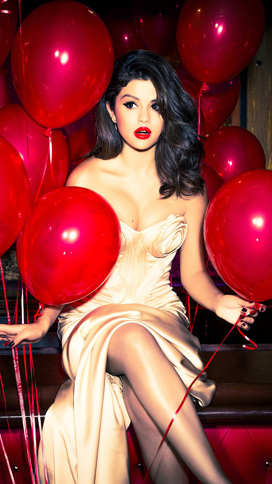 Selena Gomez Wallpapers Now Download For Your Device