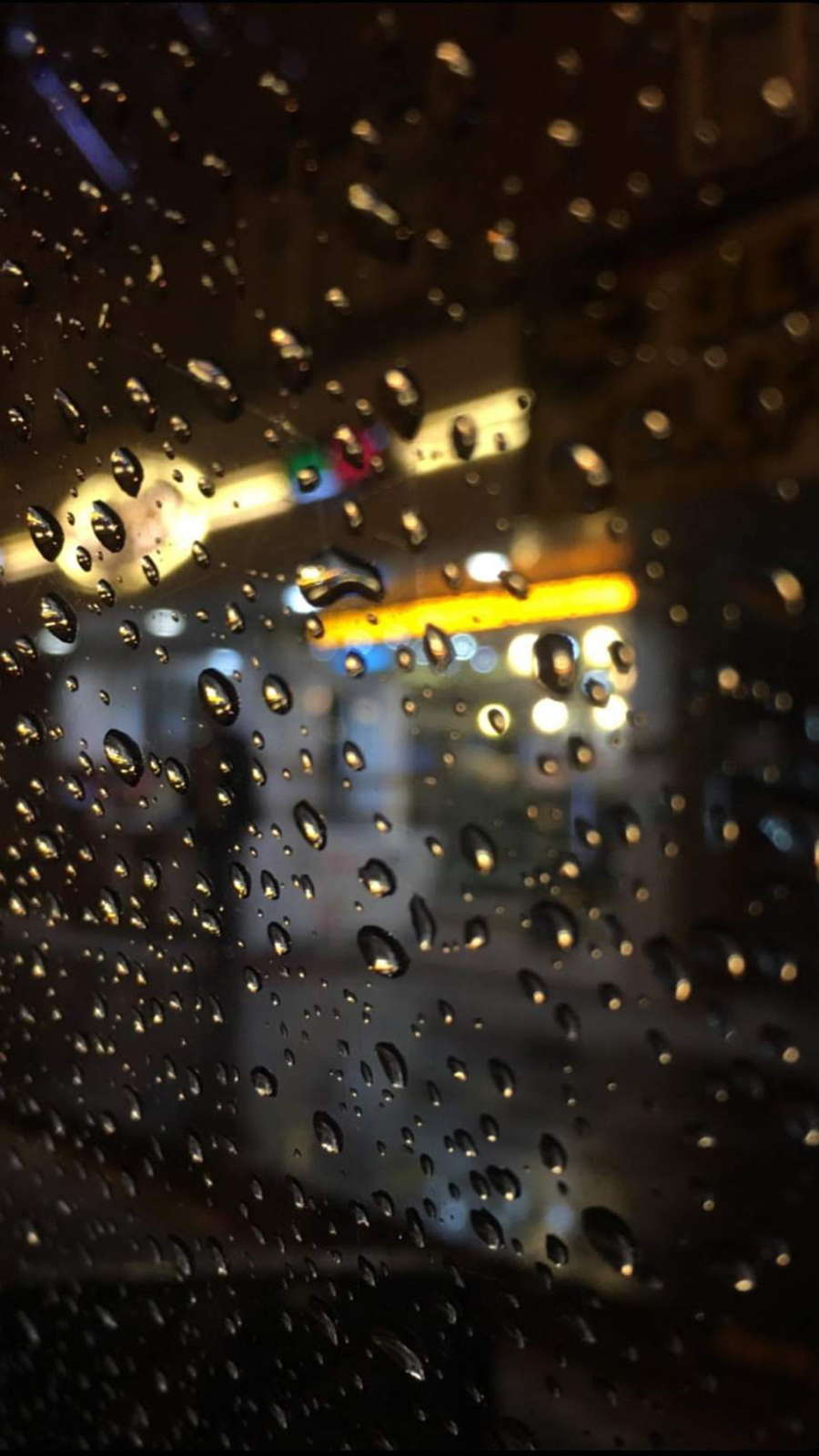 Glass and Rain Wallpapers Free Download