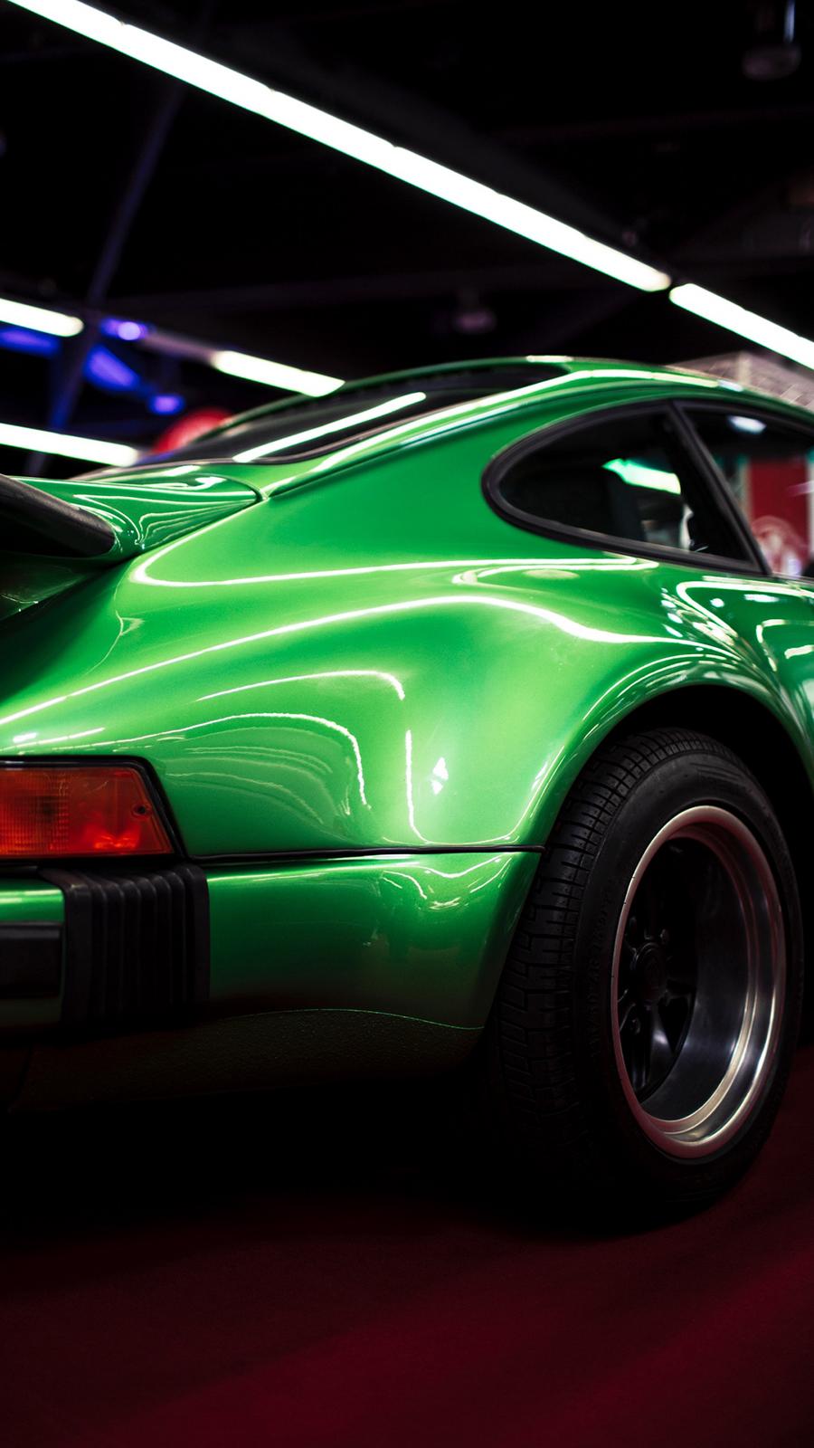 4K Green Super Car Wallpapers Free Download