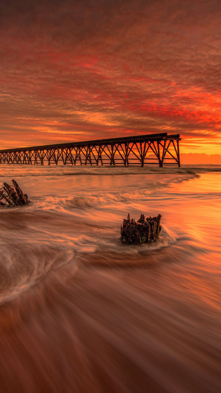 Infrared Sea and Pier Wallpapers Free Download