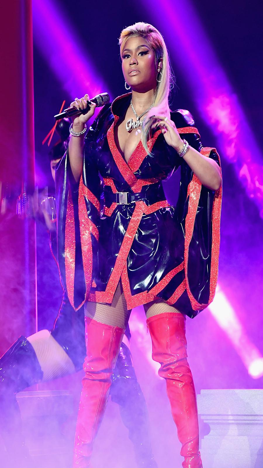 Nicki Minaj Twerk Show Wallpapers Free Download