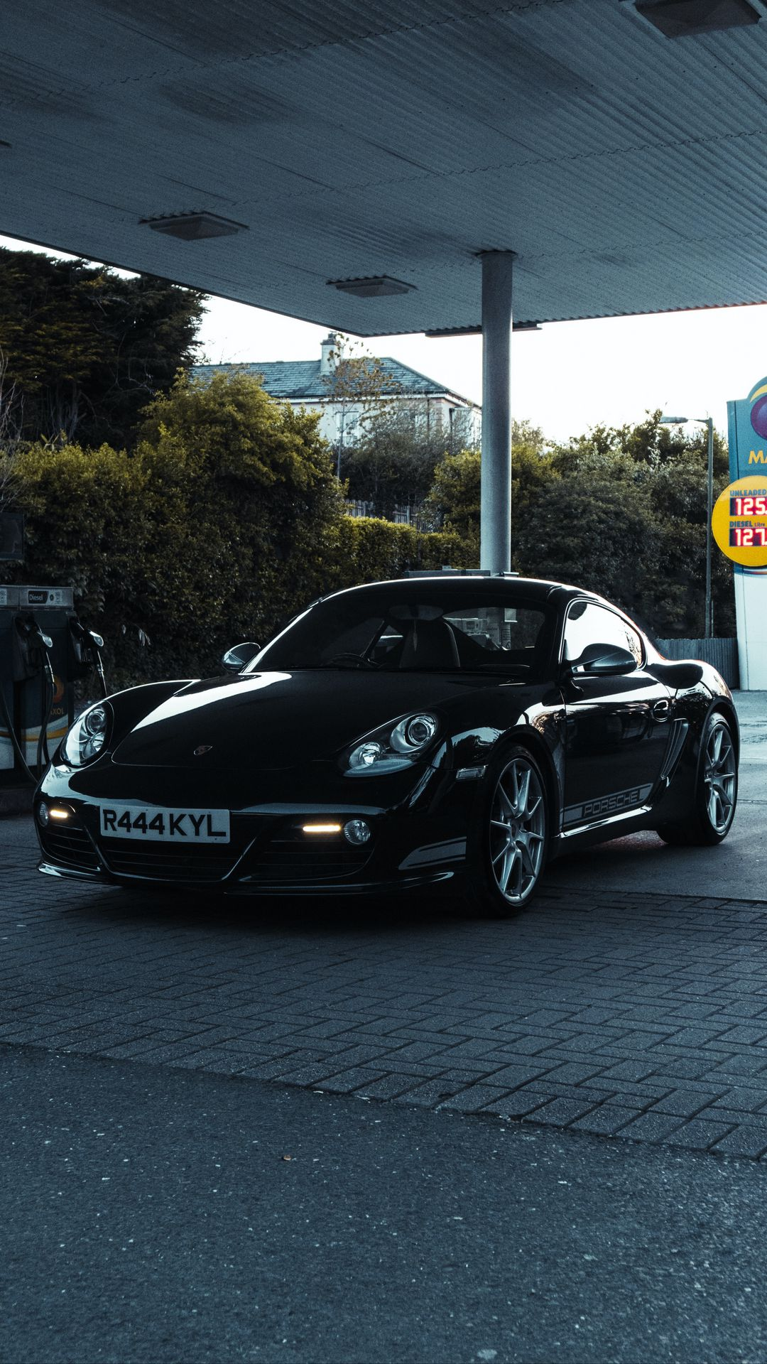 Porsche Car Ultra HD Wallpapers Free Download for Device